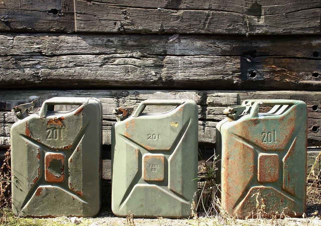 containers jerry cans